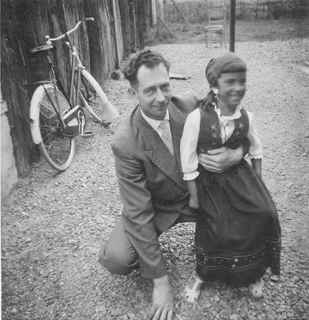Kamp Anja 1961 Koninginnedag met Vader Wim