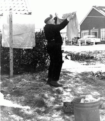 Klein Pieter 1965 Hangt de Was op