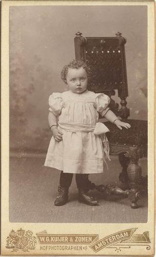 Kofoed Antje 1898 19__ bij Fotograaf 01