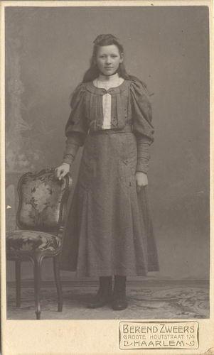 Kofoed Cornelia Adolphina 1891 19__ bij de Fotograaf 01