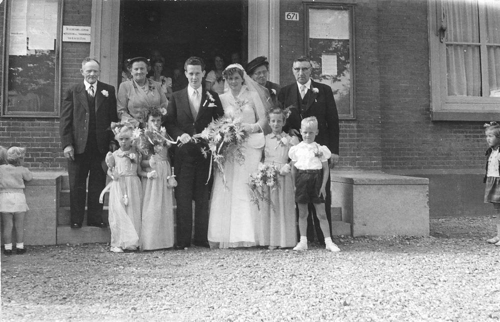 Koning Joop de 1930 19__ trouwt Nel de Vos 01