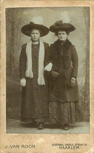 Koning-Tichelaar Stijntje de 1896 19__ bij Fotograaf 03