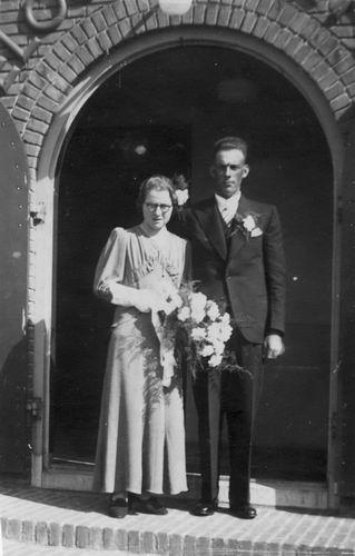 Koter Marrie de 1938 trouwt Jo Vermeer