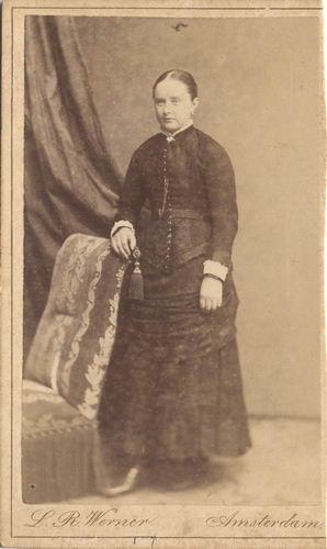 Koudijs - vd Berg Jannetje 1866-67 19__ bij Fotograaf 01