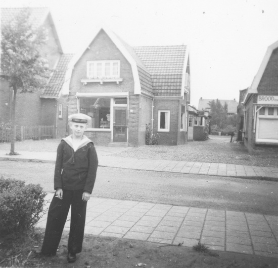 Kruislaan 0015 1957 met Kees van de Kommer