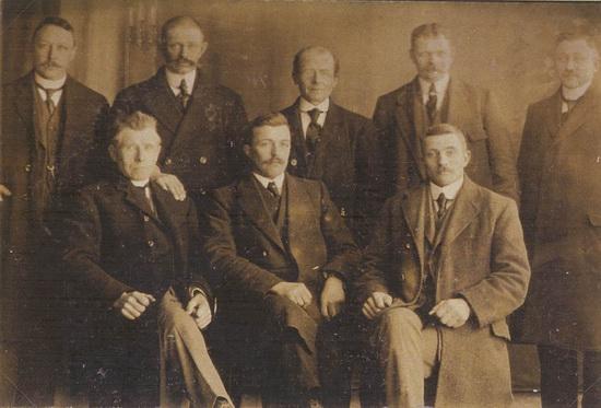 Kruislaan 0016  Door Eendracht Sterk 1920 Inkoopvereniging