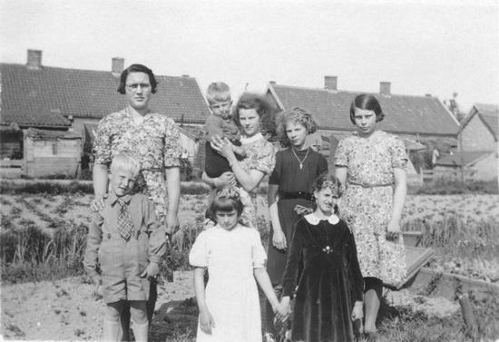 Kruislaan 0032-42 1942 van achteren