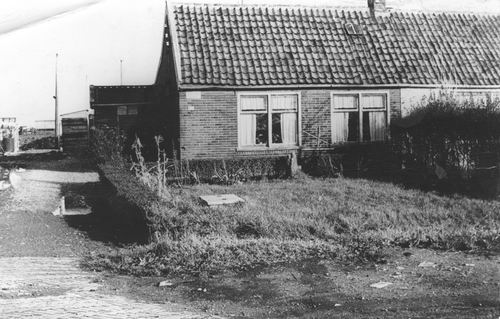 Kruisweg N 0317 19__ Huize Barend v Pelt
