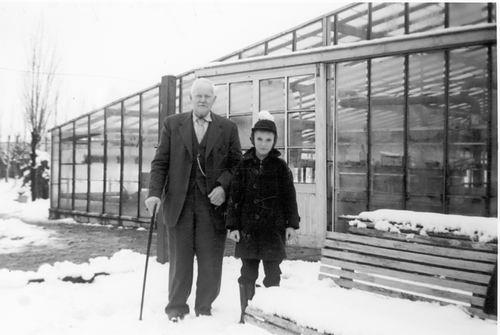 Kruisweg N 0429-431 1958 met Opa Pieter en Willem vd Linden