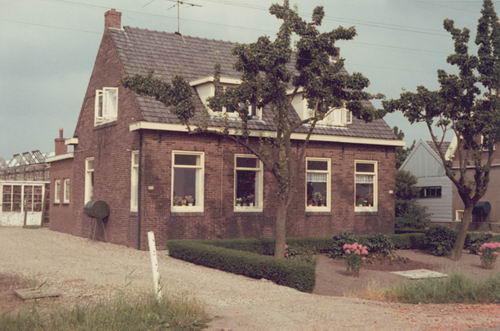 Kruisweg N 0431 1969 huize vd Linden 01