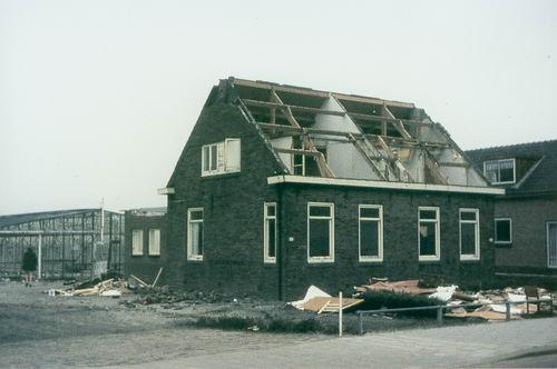 Kruisweg N 0431 1972  Sloop Huize vd Linden 03