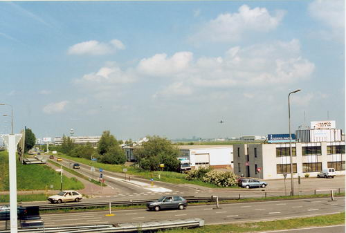 Kruisweg N 0479+ 1999 met Dienstweg naar Schiphol