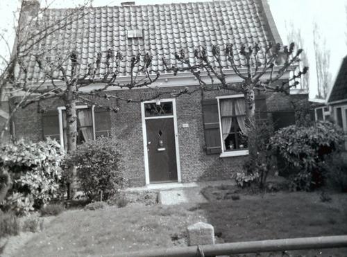 Kruisweg N 0989 1979 Molenaarshuisje