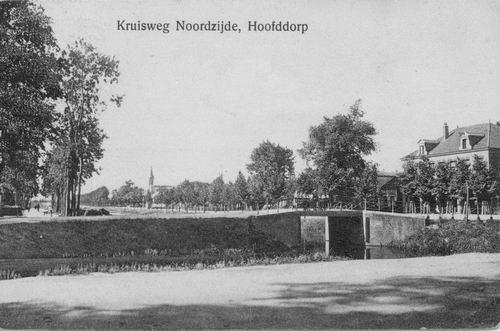 Kruisweg N 1007 1915 Zicht vanaf Geref Kerk naar W