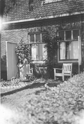 Kruisweg N 1497 1952 met Ans Kaslander op Step