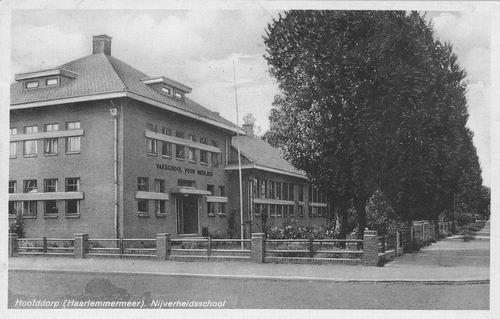 Kruisweg Z 0612 1947 Nijverheidsschool