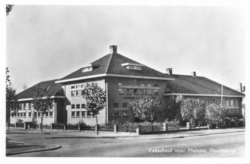Kruisweg Z 0612 1957 Vakschool voor Meisjes