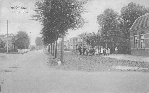 Kruisweg Z 066_ 1923 In de Kom van Zuijdam naar O