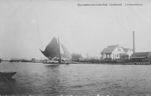 Leimuiderdijk 037_ Oude Brug Leimuiden met Melkfabriek 03 Foto
