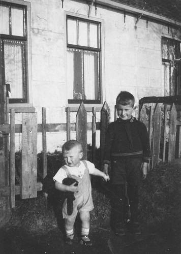 Leimuiderdijk 0446 1931 Kinderen Vastenhout voor Huize Immink 02