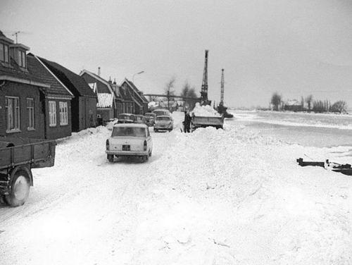 Lijnderdijk 0207- 1963 Sneeuwruimen 02