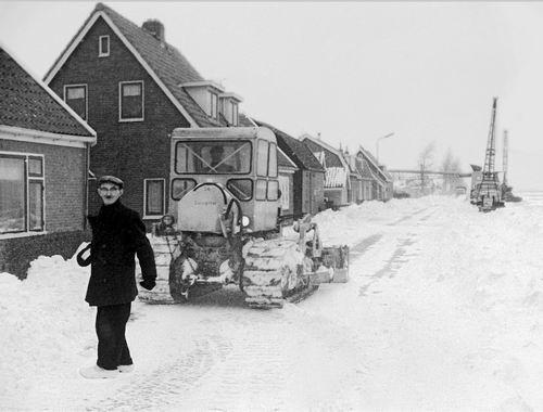 Lijnderdijk 0209- 1963 Sneeuwruimen 01