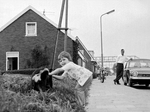 Lijnderdijk 0211 1972 met Cor Volger en Kleindochter