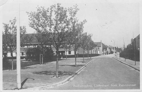Lijsterstraat 1950 hoek Rietvinkstraat