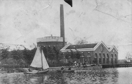 Lisserdijk 0005 1909 Stoomgemaal vanaf ringvaart Beschadigt