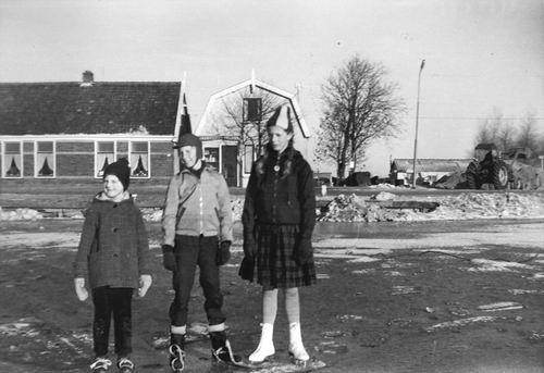 Lisserdijk 0017-15 1962-63 IJspret met oa fam Rip