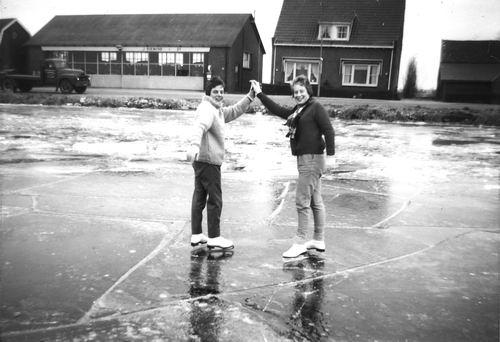 Lisserdijk 0057 1961-62 IJspret met oa fam de Man 04