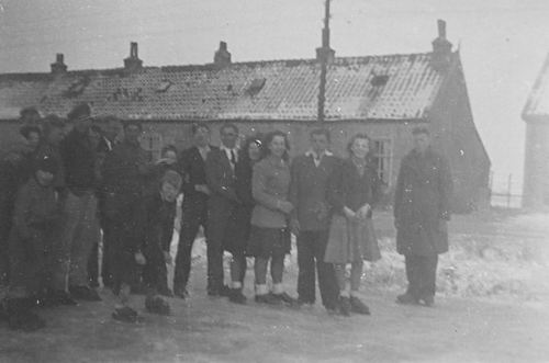 Lisserdijk 0306-310 19__ de Vijf Huizen met Schaatsers