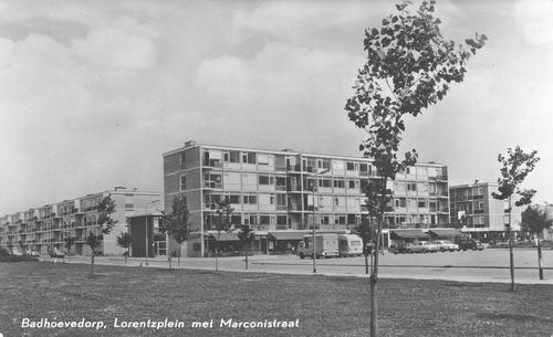 Lorentzplein 1968 met Marconistraat