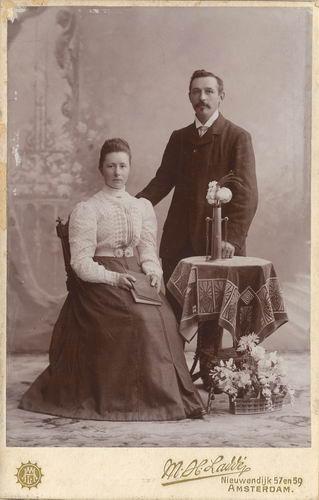 <b>ZOEKPLAATJE:</b>Maasdam_Adrianus_v_1879_19___met_vrouw_Hendrika_Deutekom