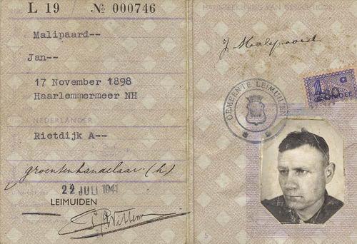 Malipaard Jan 1898 1941 met vrouw Annigje Rietdijk Persoonsbewijzen 01