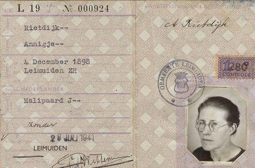 Malipaard Jan 1898 1941 met vrouw Annigje Rietdijk Persoonsbewijzen 02