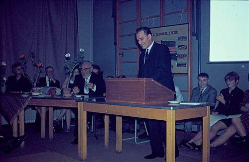 Mannessen Henk 1967 Afscheid van J P Heijeschool 12