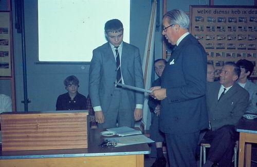Mannessen Henk 1967 Afscheid van J P Heijeschool 16