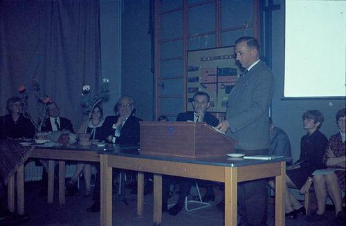 Mannessen Henk 1967 Afscheid van J P Heijeschool 17