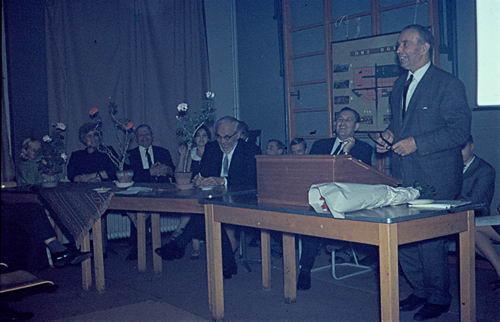 Mannessen Henk 1967 Afscheid van J P Heijeschool 18