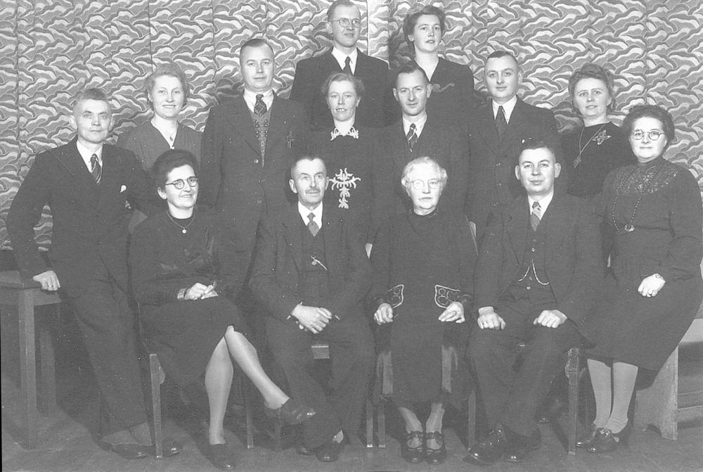Mantel Klaas Sr 1943 Huwelijksfeest met Kinderen