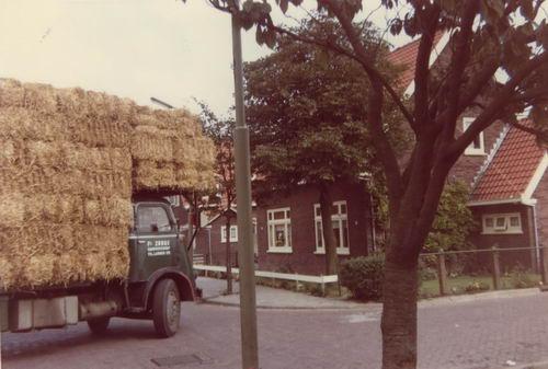 Marktlaan O 0054 1968 met Jan Uithol als Chauffeur Fa Zorge
