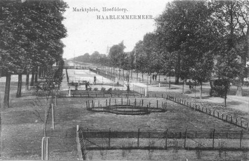 Marktplein C 1913 Perkjes met Waterpomp