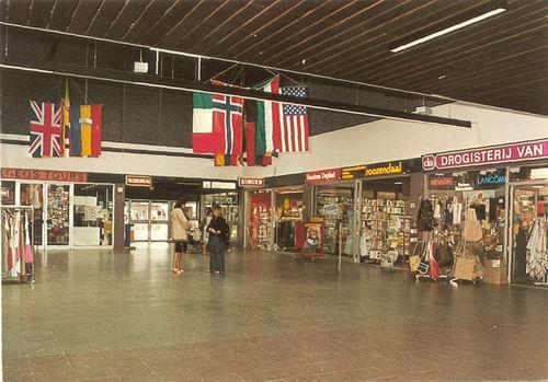 Marktplein C 1978 Markthof binnen kleur