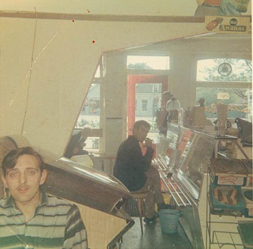 Marktplein N 0001a 1970 Snackbar vd Groef Interieur