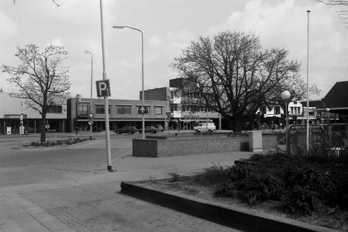 Marktplein N 0013- 1979 v Driel Blom en Hema