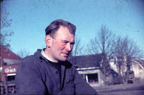 Marktplein N 0015 1949-50 met Roel Bootsman