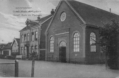 Marktplein Z 0026 1927 Oude Geref kerk en hoge pastorie
