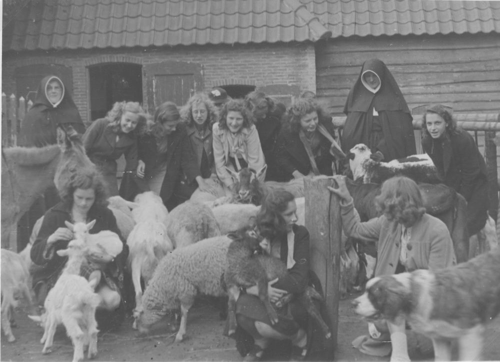 Meijer Aga 1931 1947 met MULO op Kinderboerderij