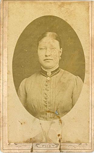 Meijer-Commandeur Anna C 1868 19__ Portret 02